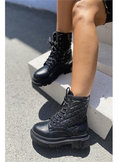 İnan Ayakkabı KADIN KAPİTONE DESEN BOT Siyah
